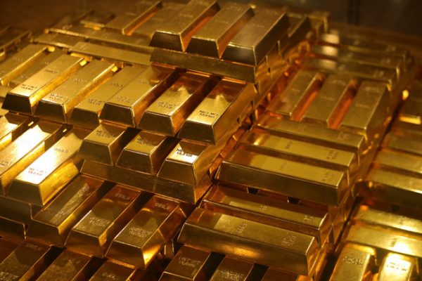 Poland Gobbles up Gold, Plans to Bring It Home