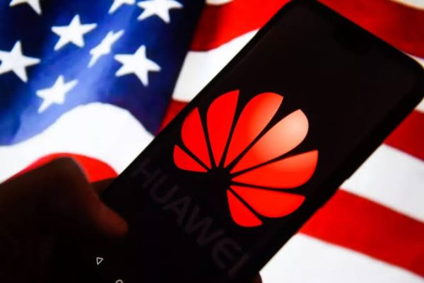 Huawei to Pay Out Employees $286 Million in Bonuses for Helping to Counter US Sanctions