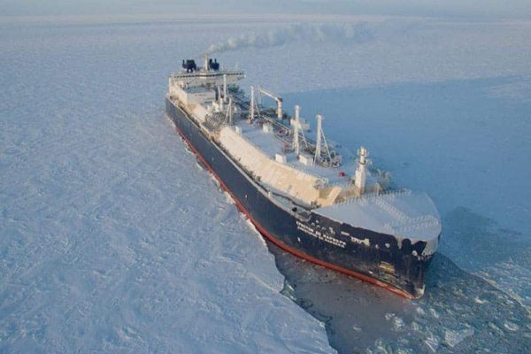 """Bad News for """"Molecules of Freedom"""": Russia to Ramp Up Orders for Icebreaking LNG Tankers"""